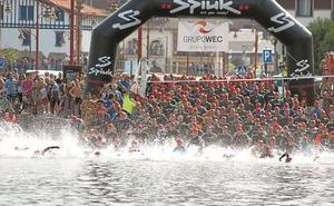El Triatlón de Zumaia reunirá mañana por la tarde a 600 atletas