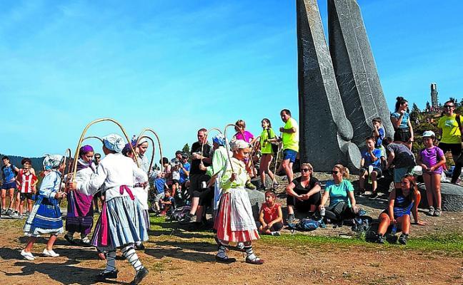 Los montañeros están citados mañana en Besaide para celebrará el Oroimen Eguna