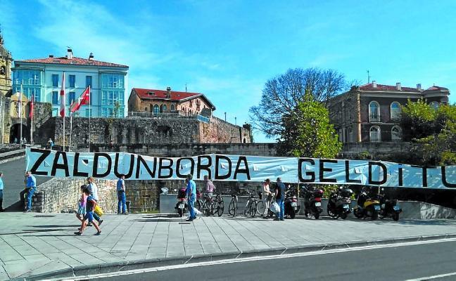 La oposición en pleno pide paralizar el proyecto de Zaldunborda