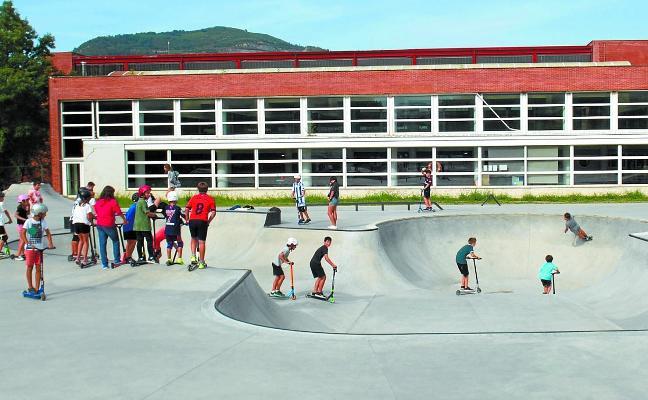 EH Bildu propone dotar de más servicios la zona del skatepark
