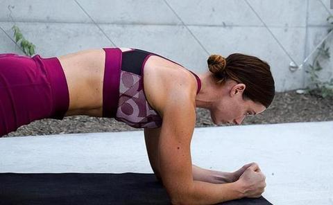 El ejercicio perfecto para tener el abdomen plano