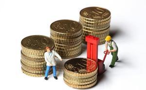 Se moderan los crecimientos del empleo y el salario en las grandes compañías