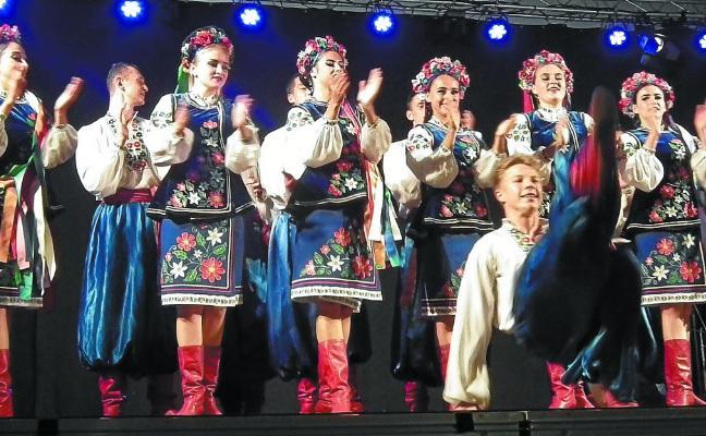 Un festival de folklore espectacular en Urretxu