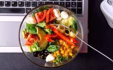 Cuatro consejos divertidos para comer en la oficina