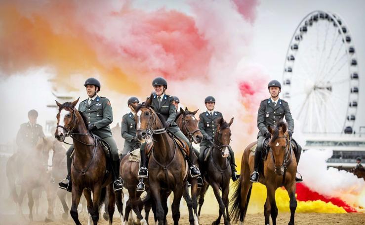 Guardias a lomos de los caballos del Ejército
