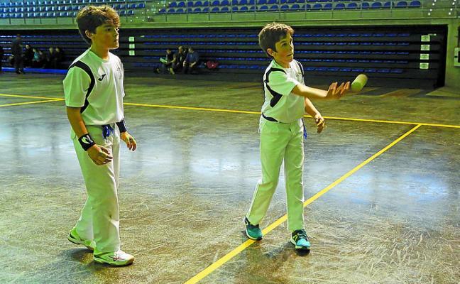 Eple y Batzokiko comienzan la temporada de pelota con buen pie