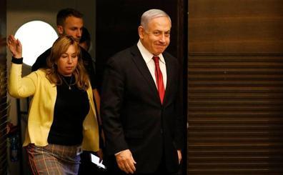 Netanyahu lucha por conservar un puesto perdido en las urnas