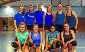 El nuevo equipo de voleibol femenino se presenta hoy a las 19.00 horas en el Aldiri