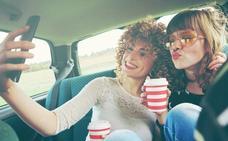 Dos millones de conductores reconocen haberse hecho selfies mientras conducían