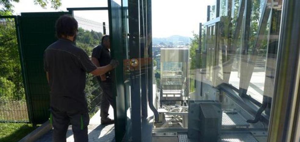 Vecinos de Aiete denuncian fallos en el ascensor de Morlans por actos vandálicos