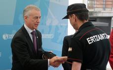Urkullu reivindica el prestigio de la Ertzaintza en el 30 aniversario de la comisaría de Hernani