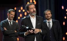 Los directores de 'La trinchera infinita' tocan la gloria en San Sebastián