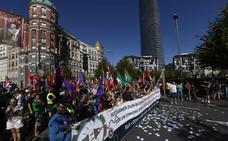 Miles de trabajadores del metal toman el centro de Bilbao con los sindicatos unidos