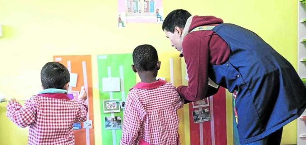 Alumnos con discapacidad se ven obligados a ir a otras comunidades para estudiar en castellano