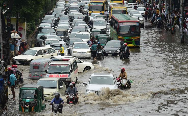 Caos en Bangladesh por las lluvias torrenciales