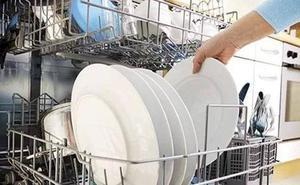 Cómo limpiar el lavavajillas por dentro si quieres comer en platos y vasos limpios de verdad