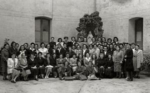 1949   Invitaciones y comidas para los asilados en la Misericordia