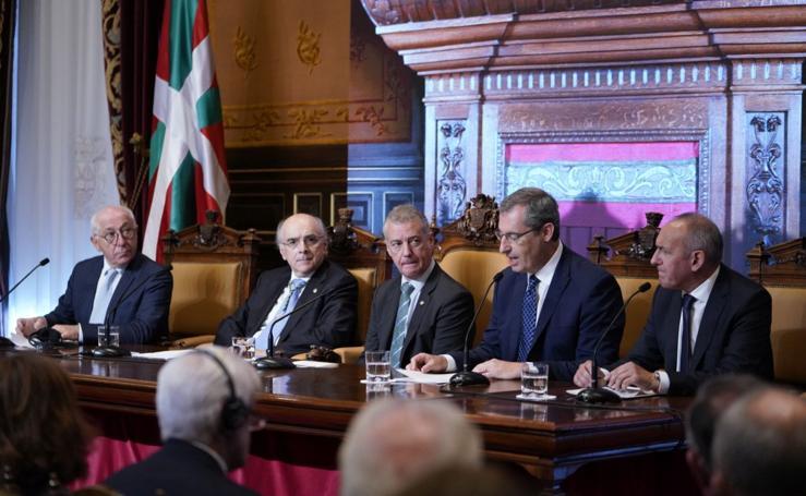 Euskaltzaindia cierra en Donostia su centenario