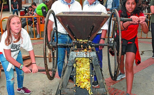 400 kilo sagarren muztioarekin topa