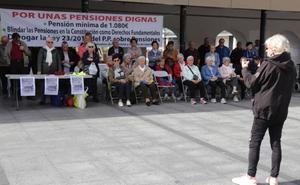 La concentración de los jubilados y pensionistas volvió a Okendo plaza