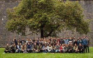 Las instituciones aplauden la apuesta por la «igualdad» de un grupo de seguidores del alarde tradicional de Hondarribia