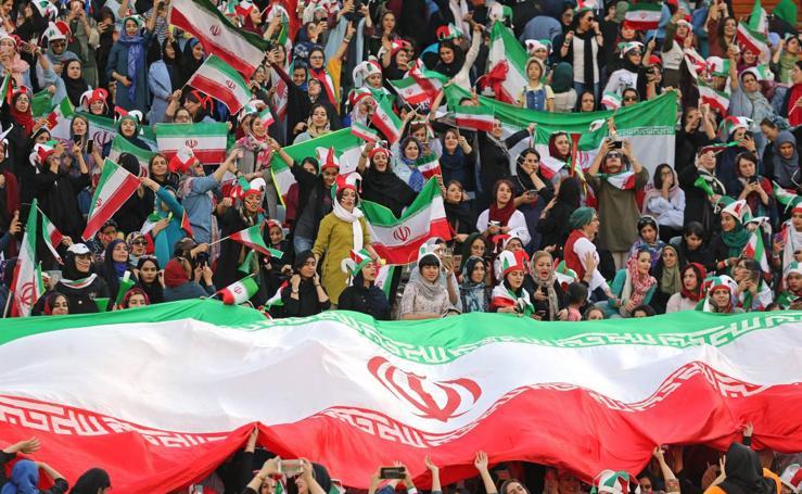 Las mujeres ya van al fútbol en Irán