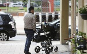 La oposición acusa a la consejería de «improvisar» tras modificar los requisitos para acceder a las 16 semanas de paternidad