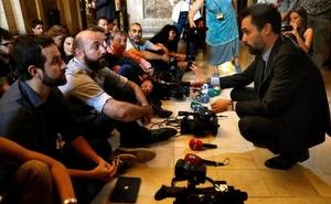 El Constitucional avisa al Parlament de nuevas causas penales si desobedece la legalidad