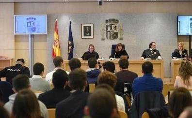 Los condenados por la agresión en Alsasua a dos guardias civiles y sus parejas podrán empezar a pedir permisos