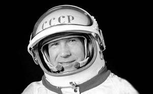 Fallece el cosmonauta soviético y primer caminante espacial Alexéi Leónov