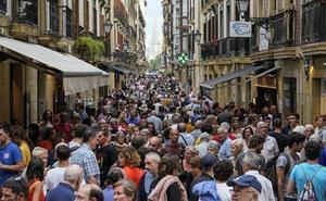 EH Bildu denuncia que Parte Vieja y Gros pierden población por el turismo