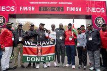 Kipchoge rompe la barrera de las dos horas en el maratón