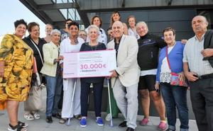 Katxalin dona 30.000 euros a Biodonostia para investigación