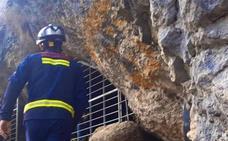 Rescatados sanos y salvos los dos jóvenes desaparecidos en una cueva de Álava