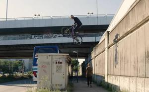 Fabio Wibmer, un rider que se hace dueño de las ciudades