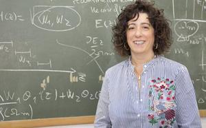 Ruth Lazkoz EHUko irakaslea, Erlatibitate eta Grabitazioaren Espainiar Elkarteko presidente