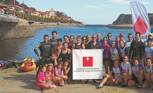 Una dura travesía de 24 horas a nado a favor de la donación de sangre
