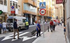 Acometido el asfaltado de la calle Fermín Calbetón