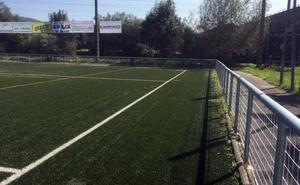 Zubipe futbol zelaiko grada aldean hesi berria eta sare haundi bat jarri ditu Udalak