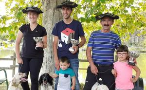 Triplete de txapelas para la familia Egaña en el Campeonato de Euskadi