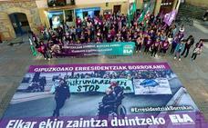Las trabajadoras de las residencias en huelga marchan al Ayuntamiento