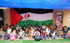 Los astrónomos viajan a Tinduf para divulgar la ciencia entre refugiados en el proyecto Amanar