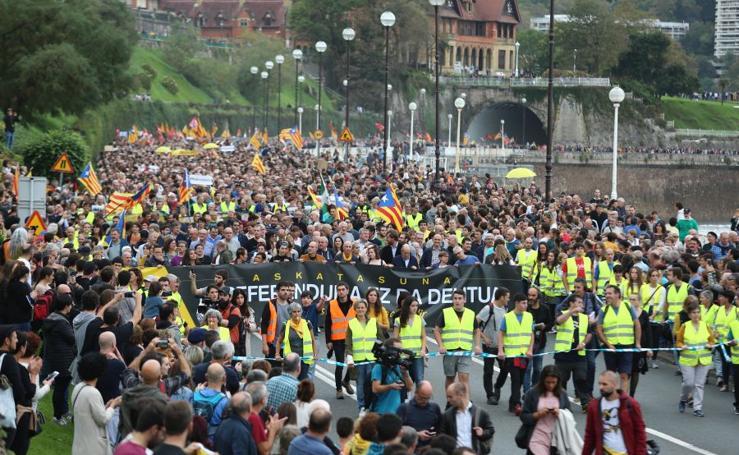 Arranca en Donostia la manifestación de Gure Esku en favor de los condenados del procés