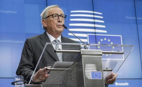 La UE traslada a la Eurocámara su acuerdo con Johnson