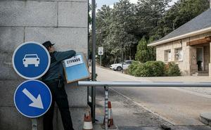 La maquinaria para exhumar los restos mortales de Franco entra en el Valle de los Caídos