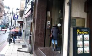 Encuentran los cuerpos momificados de dos hermanos en un piso de Oviedo