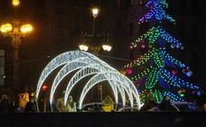 Las luces de Navidad iluminan Donostia