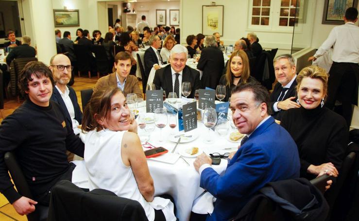 150 invitados brindan en el Mirador de Ulia de Donostia