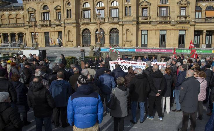 Los jubilados de Donostia, Irun y Tolosa demandan mása concreción al nuevo Gobierno de Sánchez