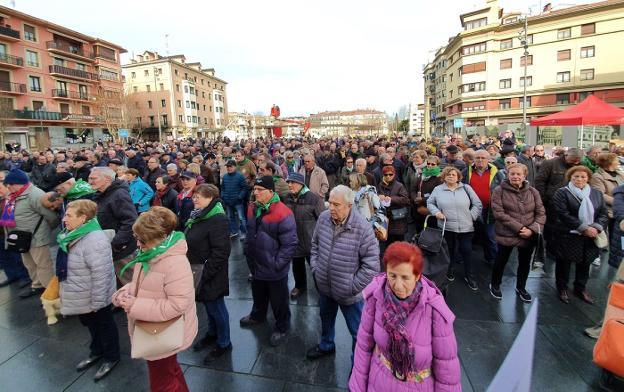 Respuesta masiva. Muchísimas personas acudieron a la convocatoria en la plaza de San Juan./
